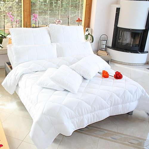 4 jahreszeiten bett bettdecke steppbett microfaser viele. Black Bedroom Furniture Sets. Home Design Ideas